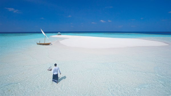 Drinks on a sandbank